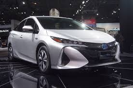 prius_phv_front_cool